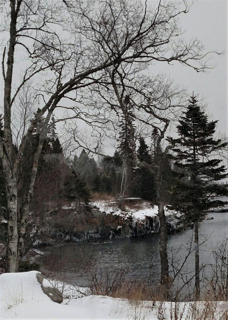 LakeSuperiorShore333